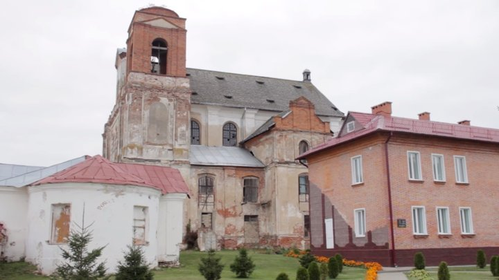 Rukhnul kostel v mstislavle 2