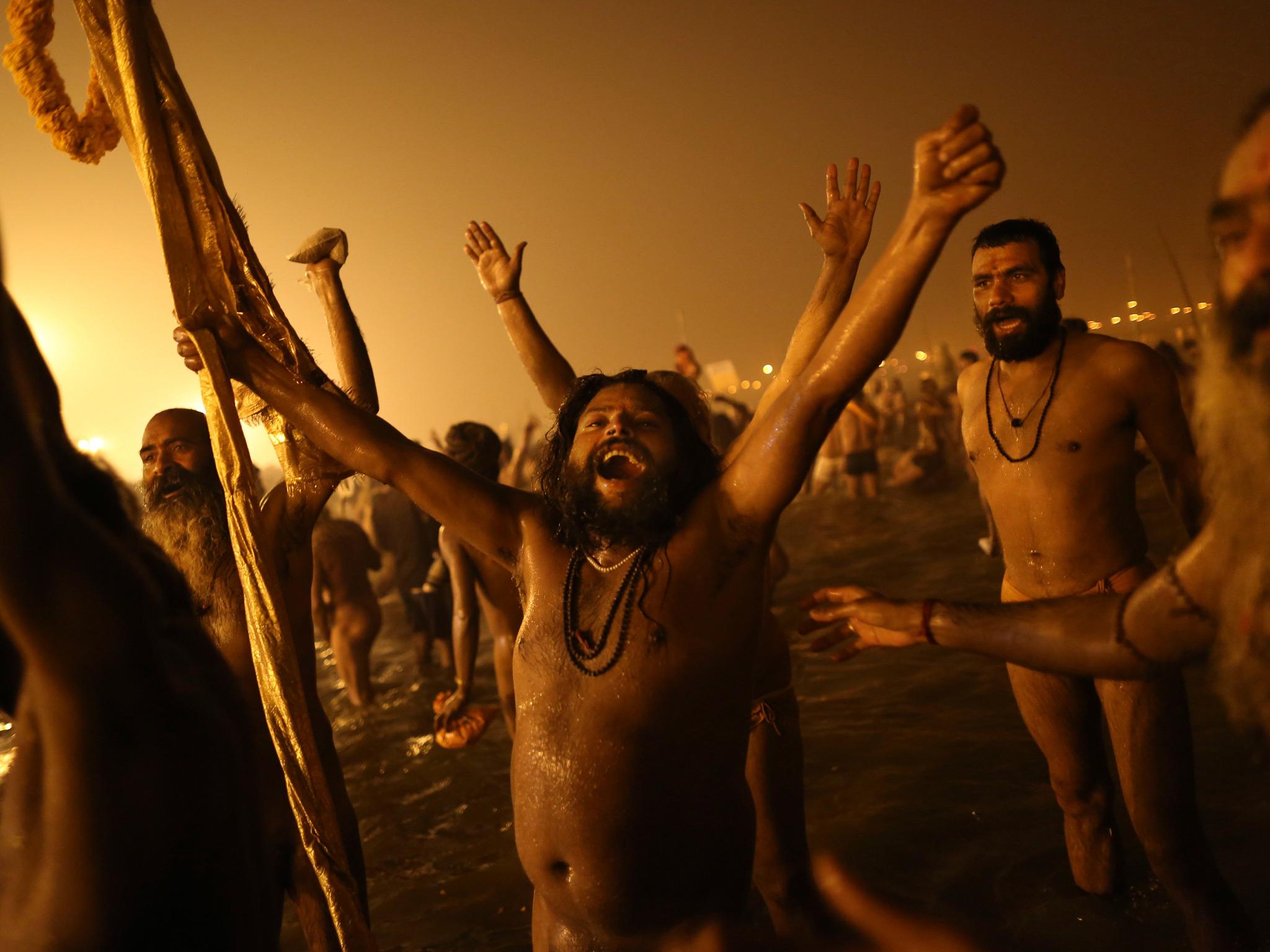 Indian holy men celebrate 005