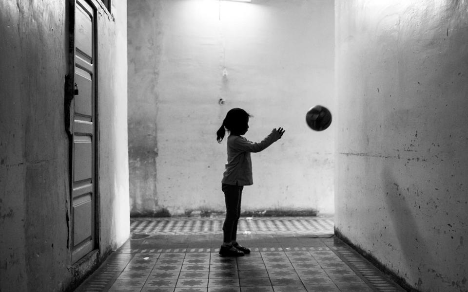 Src.adapt.960.high.bolivia obrajes prison ball.1421022595226