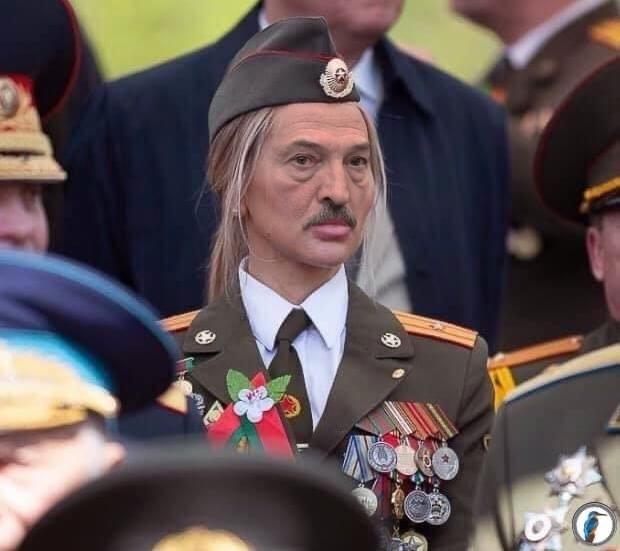 Кто эта девушка с парада в Минске, у которой так много медалей, что соцсети  до сих пор не могут уняться - KYKY.ORG