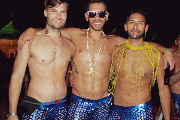 Мужской стриптиз на гей тусовках фото 52-483