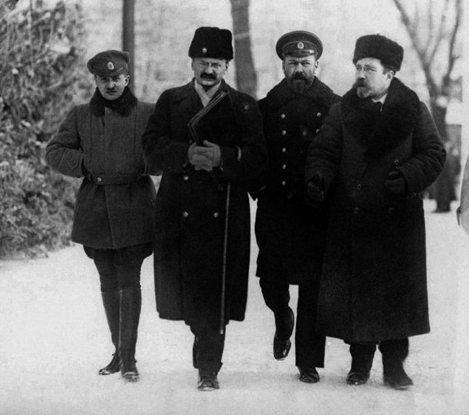 37Brest_Trotsky.jpg