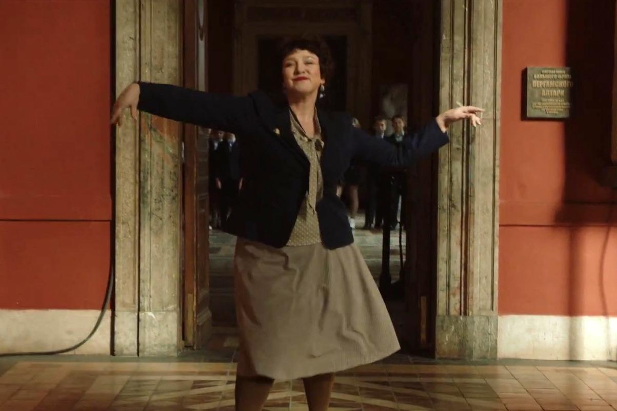 Кадр из клипа Ленинграда «В Питере - пить»