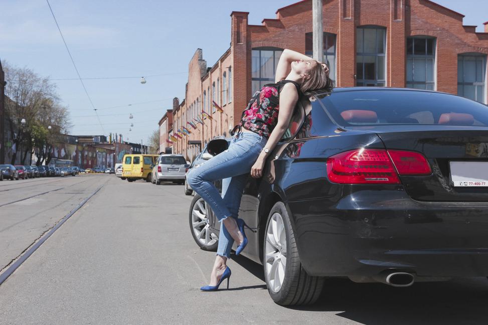 Секс автослесаря с клиентками и хозяйкой автосервиса — pic 7