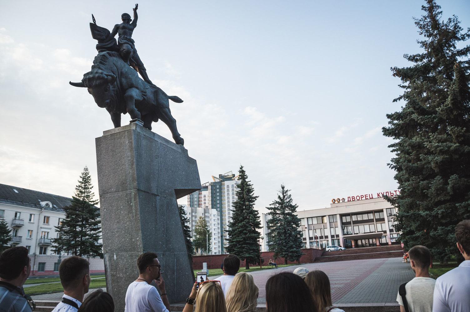 Памятники в гродно кому жаловаться цена на памятники киров жидкие кувшиново