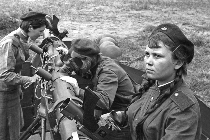 Картинки, картинки женщины на войне