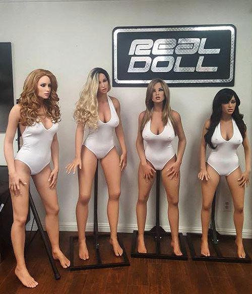 Секс худенькой с роботом