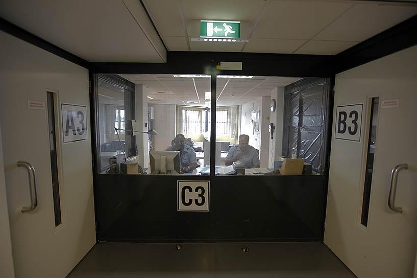 В Нидерландах закрывают тюрьмы: не хватает заключенных