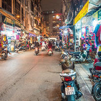 Thumb hanoi night market