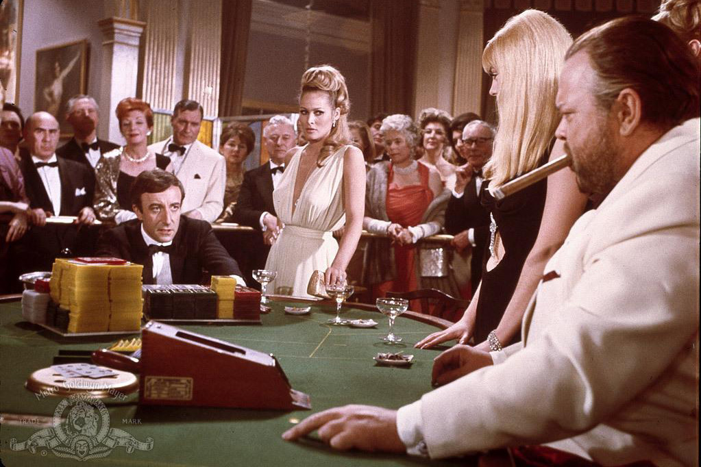 Orson welles  ursula andress  and peter sellers in casino royale james bond 007   1967